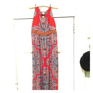 Beautiful and bright maxi dress!